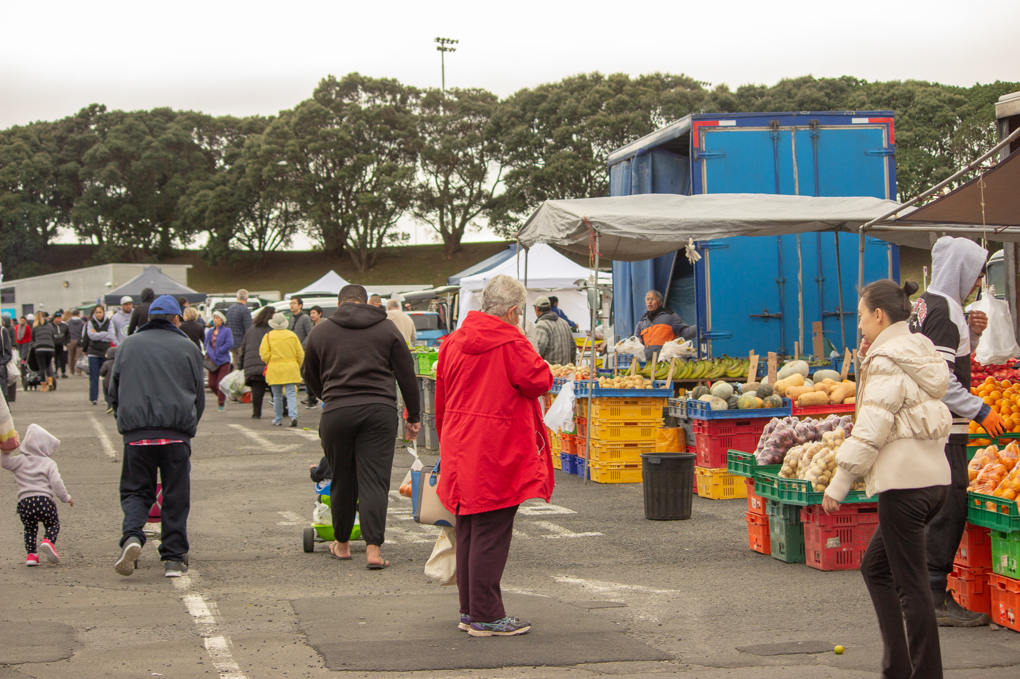 auckland markets on sunday filled with people and stallholders